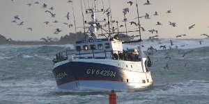 Des pêcheurs manifestent à La Rochelle