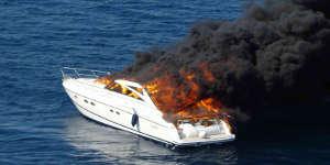 Un bateau explose à La Rochelle