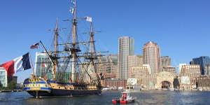 L'Hermione retrouve ses origines à Boston