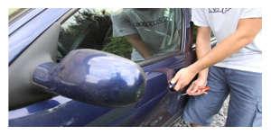 Le voleur ramène la voiture et s'excuse