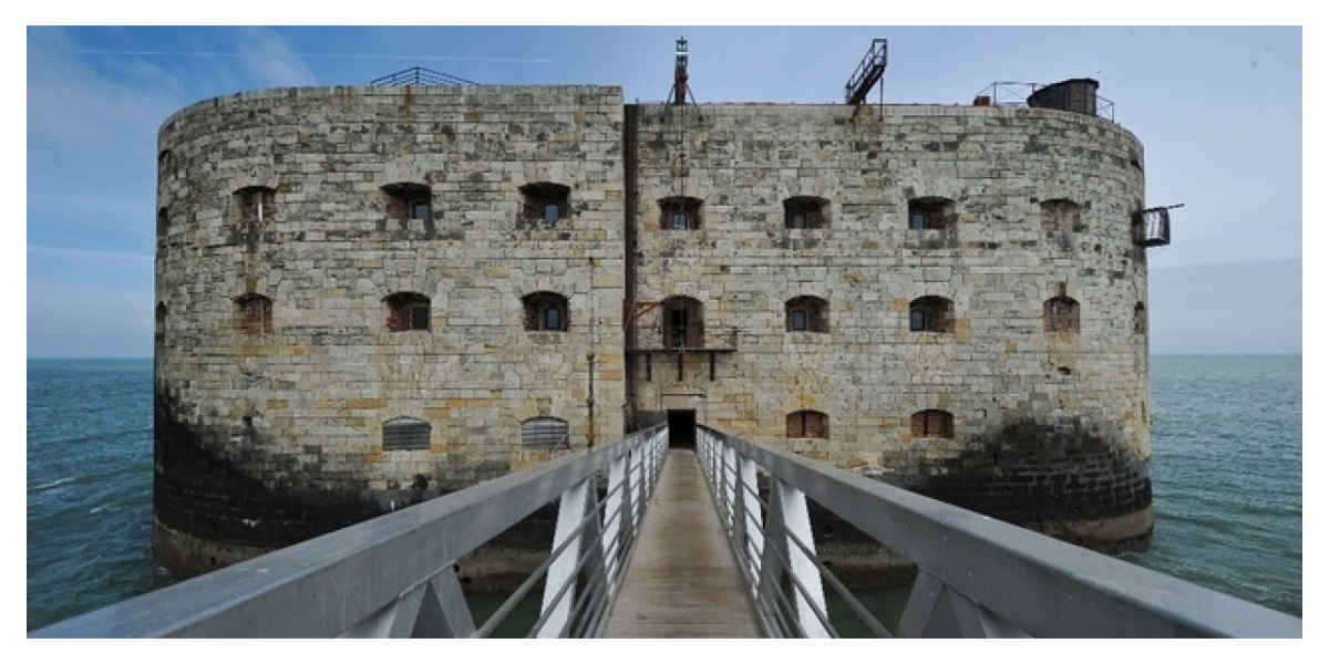 Patrimoine : le célèbre Fort Boyard sauvé des eaux par la télé